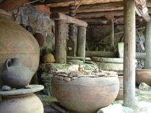 fini pottery