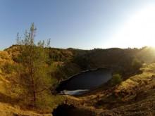 kokkinopezoula lake nicosia