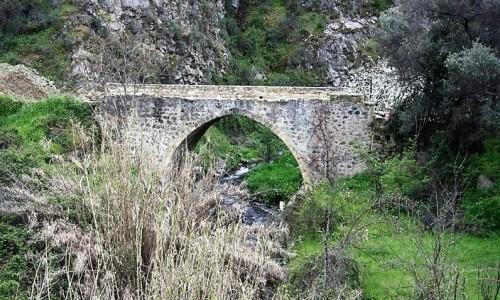 Kato Mylos Bridge - Oikou Kalopanayioti Venetian Bridge