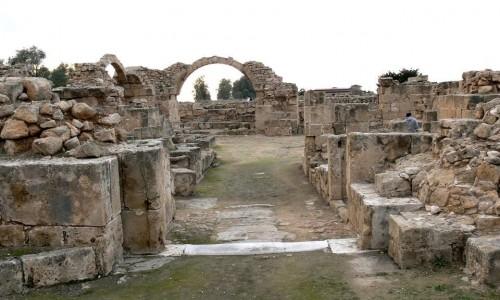 Saranta kolones (Forty columns)