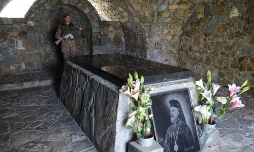 Archbishop Makarios III Tomb - Throni