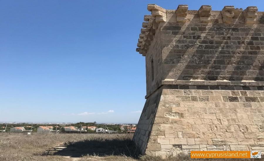 Medieval tower of Regina 2