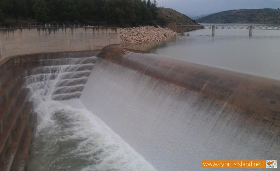 Asprokremmos dam overflowed 1