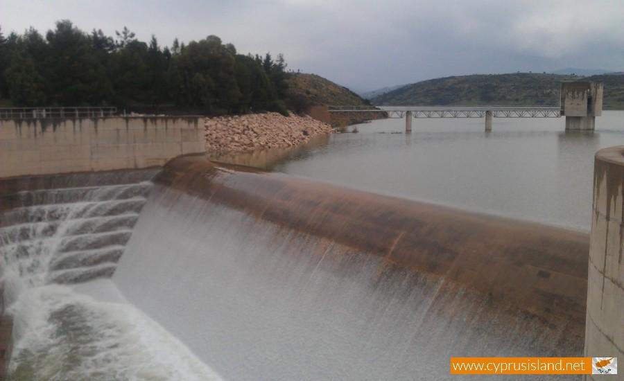 Asprokremmos dam overflowed 2