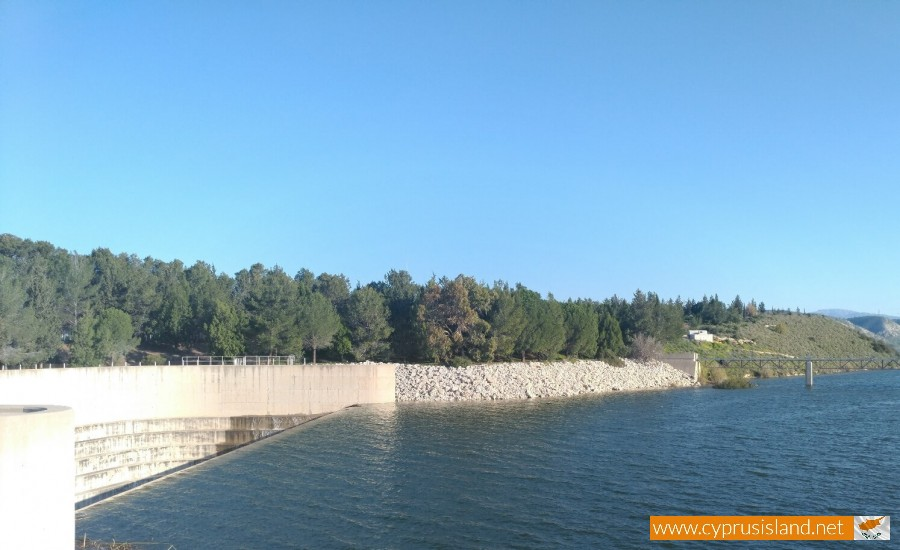 Asprokremmos Dam Overflowing 1