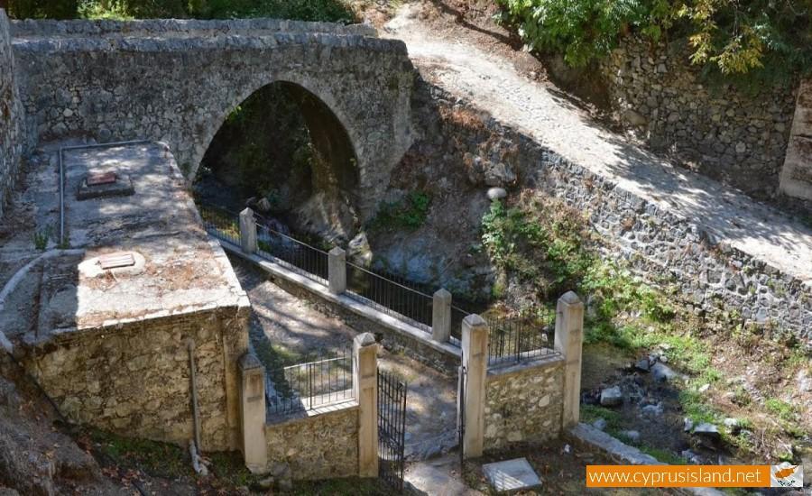 kalopanayiotis bridge