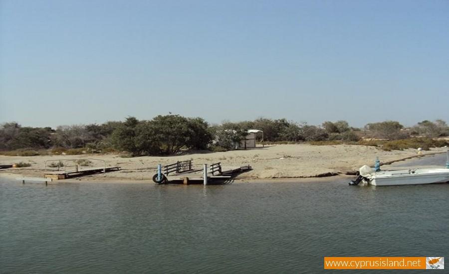 liopetri river bank
