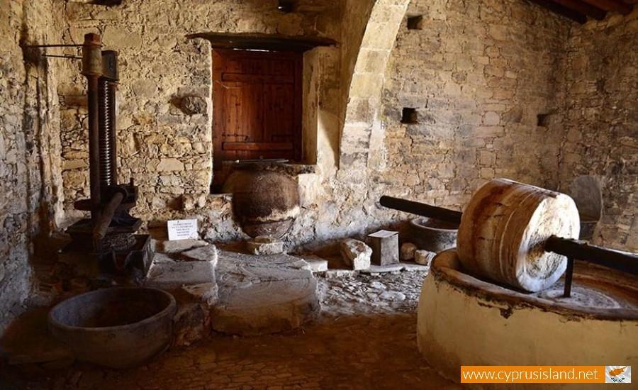 olive press lofou