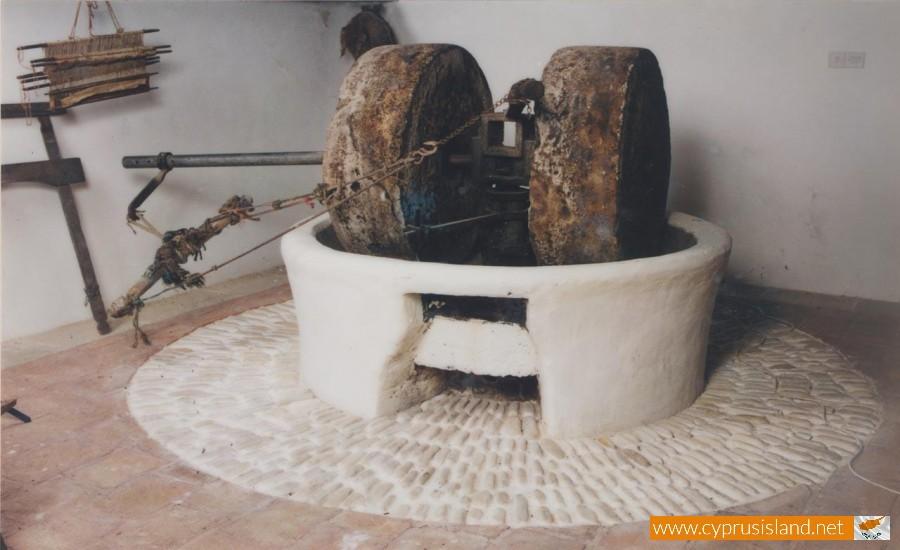 platanistasa olive mill tool