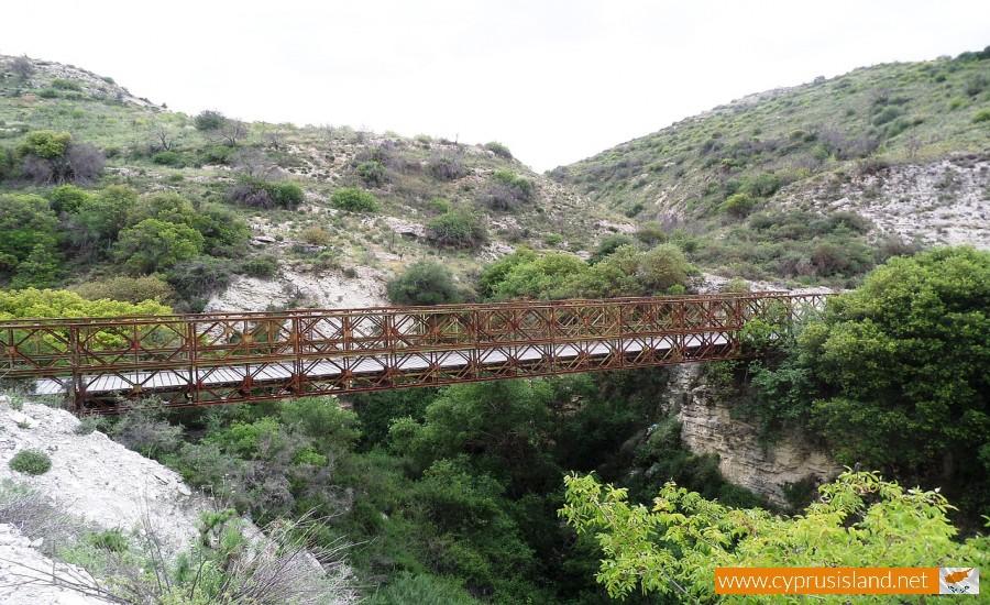trozena metal bridge