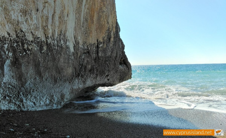 Aphrodite's Rock waves