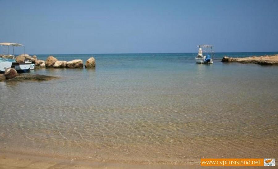 armyropigado beach