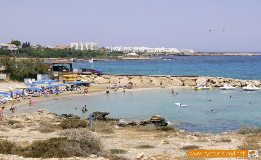 cavo maris beach limassol