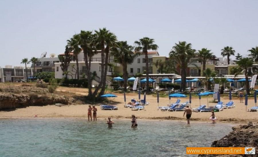 ellines beach protara