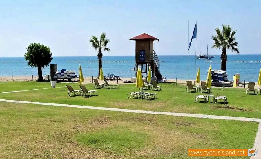 geroskipou beach paphos cyprus