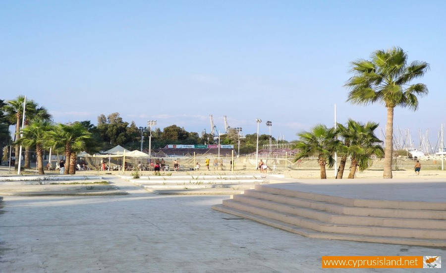 larnaca finikoudes beach