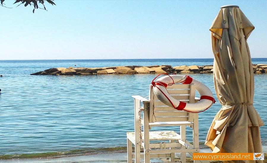 limassol lighthouse beach