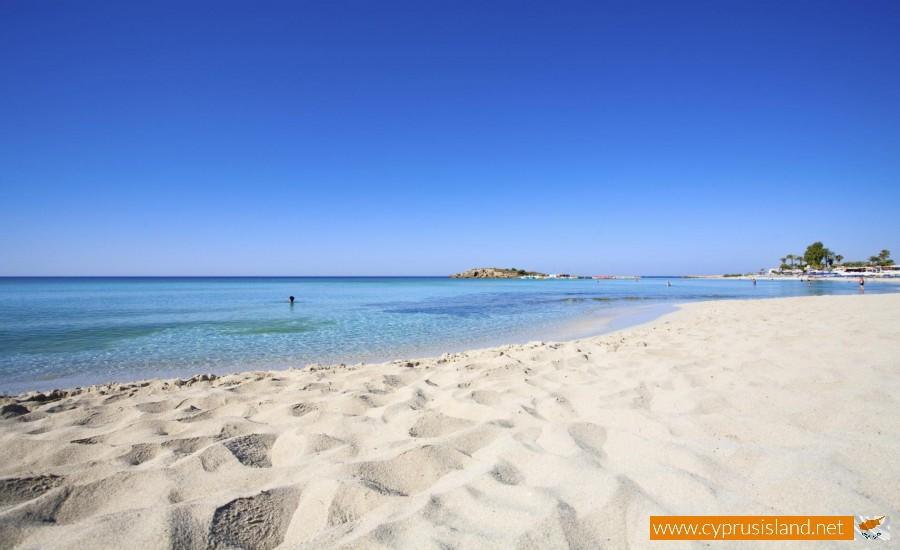 limnara beach ayia napa
