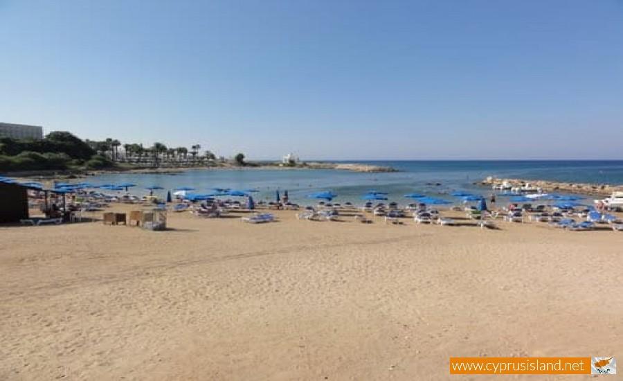 louma beach cyprus