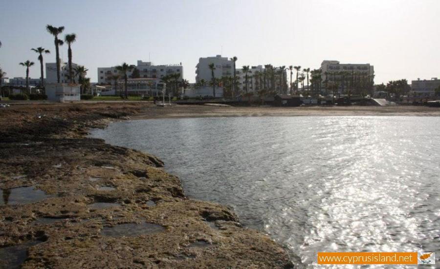 paralimni potami beach