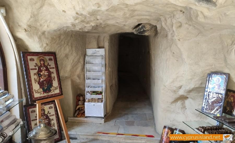 Panagia Chrysospiliotissa Church 13