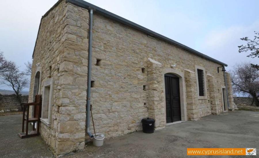 agiou georgiou chapel lofou