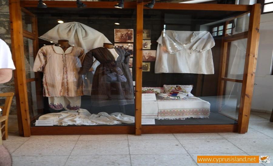 droushia weaving museum paphos