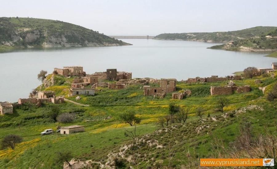 foinikas village paphos