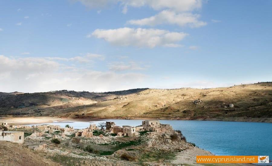 foinikas village