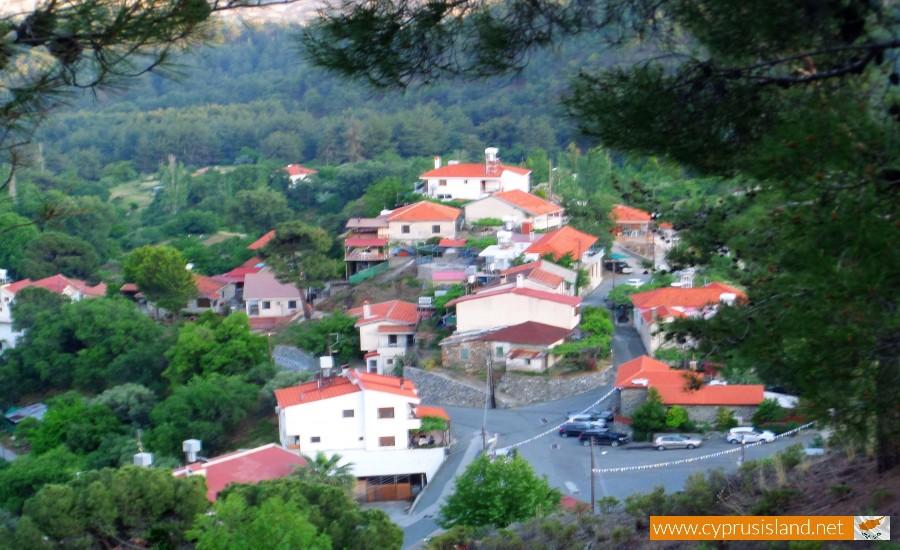 moniatis village